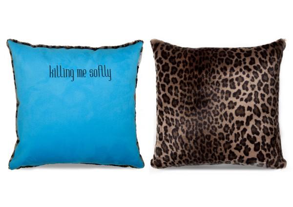 "Typo-Design-Kissen ""killing me softly"" blau im doubleface Look"