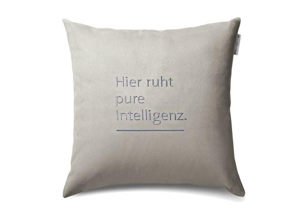 """Typo-Design-Kissen """"Hier ruht pure Intelligenz"""""""